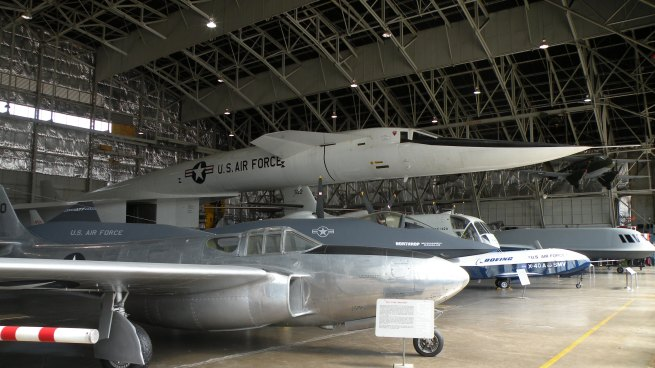 The XB-70 towers over everything in the hanger