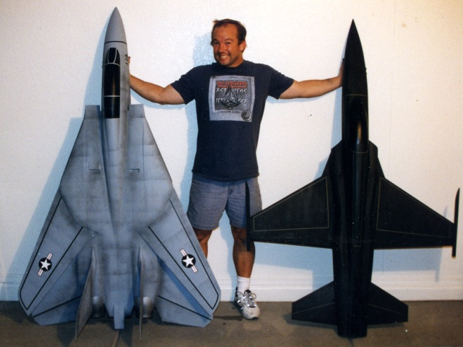 here are two of the big models from Top Gun Getting ready for display at Planet Hollywood.