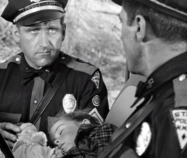 James Whitmore does an awesome performance as the police officer who is brought into extraordinary circumstances..