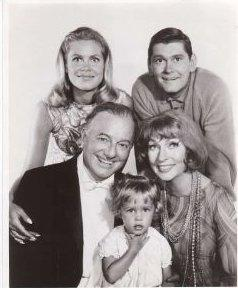 here they all are!!! the cast of Bewitched