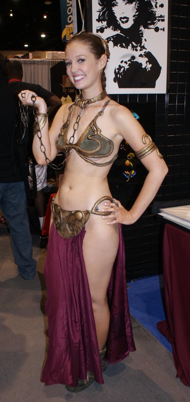 By far the best Leia slave girl ever seen at Comicon!!! WELL DONE YOUNG LADY!
