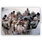 us_soldiers_praying_customized_card-p137293205507640780qqld_400